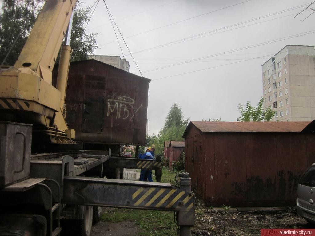 НаКрасносельских прудах убирают гаражи