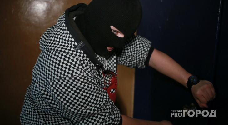 В Александровском районе мужчина украл у знакомой белье и ноутбук
