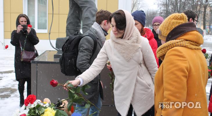 Во Владимире состоялась акция памяти жертв пожара в Кемерово