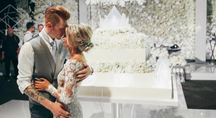 информацию свадебный торт для никиты преснякова фото передние зубы