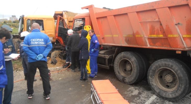 Авария на въезде во Владимир: Грузовики не поделили дорогу