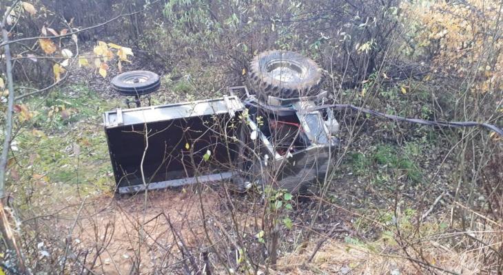 Во Владимирской области перевернулся трактор: есть погибший