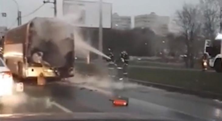 Пассажирский автобус из Владимирской области сгорел в Москве
