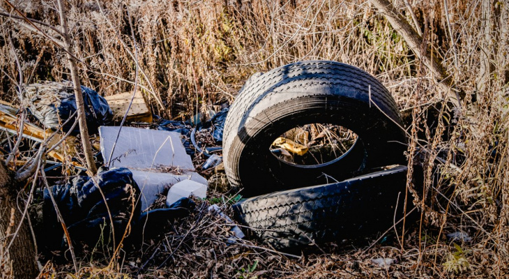 Битва с покрышками: во Владимире за месяц вывезли 5 тысяч штук
