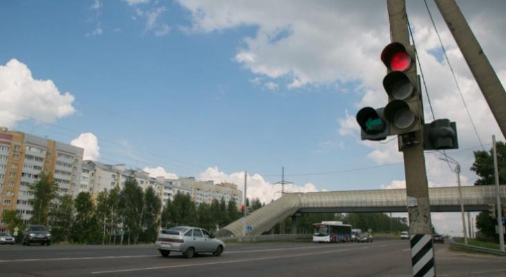 Демонтированный на повороте в Веризино светофор вернут на следующей неделе