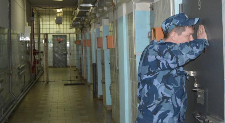 Жена пронесла мужу в колонию строгого режима в Пакино кое-что незаконное
