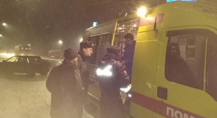 ДТП в Ковровском районе: ВАЗ столкнулся с фурой, есть пострадавший