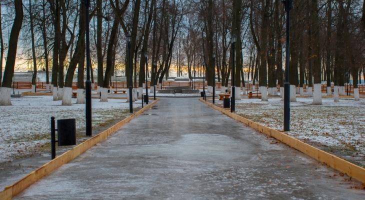 Безопасный лед: во Владимире приступили к заливке катков