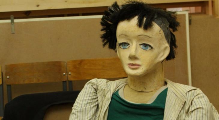 В Муроме безработный оголил манекен в магазине