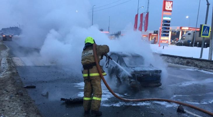 ДТП в Вязниковском районе: автомобиль воспламенился после удара