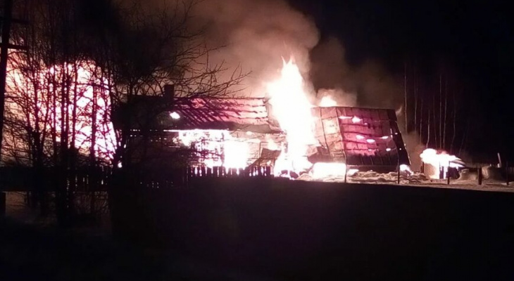 В Вязниках участковый спас из огня семью с двумя детьми, успев до взрыва газа