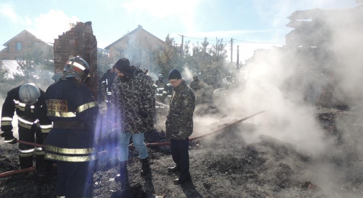 На пожаре в селе Богослово найдены тела женщины и 5-летнего ребенка