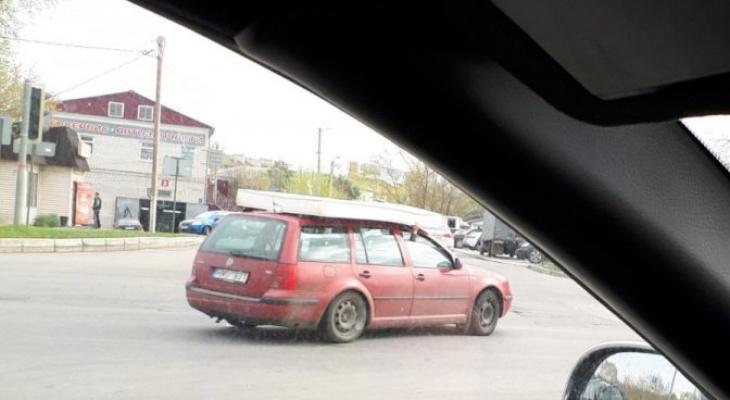 Владимирцев насмешил автомобиль с матрасом на крыше
