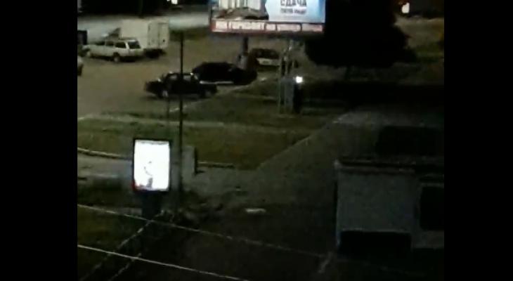 В Добром хулиганы громили улицу Егорова