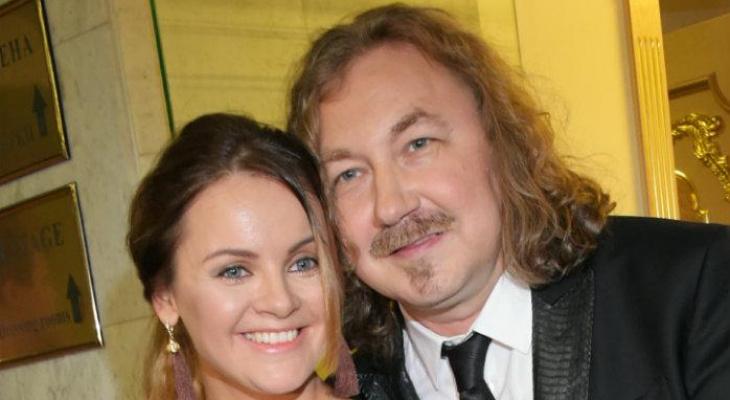 Игорь Николаев с женой проведут концерт в День семьи, любви и верности