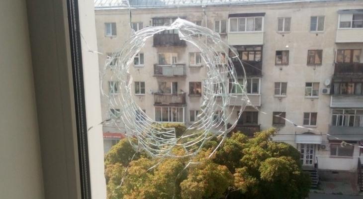 Загадочный круг: владимирцы пытаются узнать тайну отверстия на фото