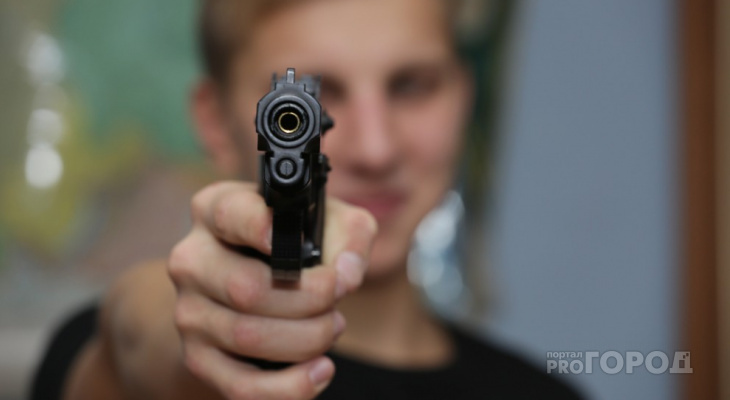 В Александровском районе москвич выстрелил в соседке в голову и убежал в лес