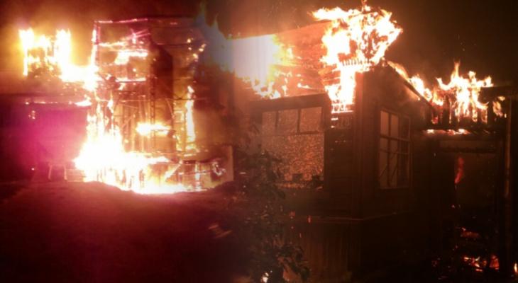 Собинка в огне: за ночь сгорели два дома