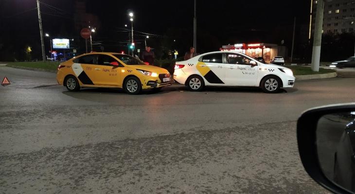 «Заказ что ли не поделили?»: баттл таксистов во Владимире