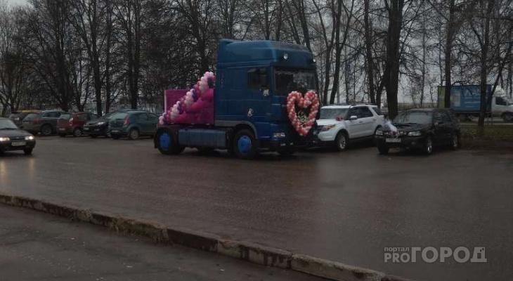 Владимирец приехал на свадьбу в кабине от фуры