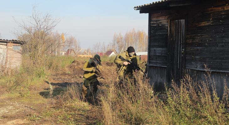 В Собинском районе ловили боевиков и спасали пассажирский поезд