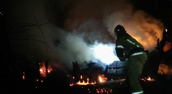 Во Владимирской области в сгоревшем доме обнаружен труп мужчины