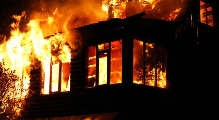 В Покрове эвакуировали подъезд из-за пожара