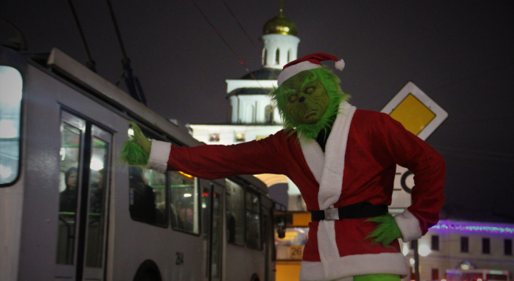 По улицам Владимира гуляет Гринч?! Он решил сорвать Рождество?
