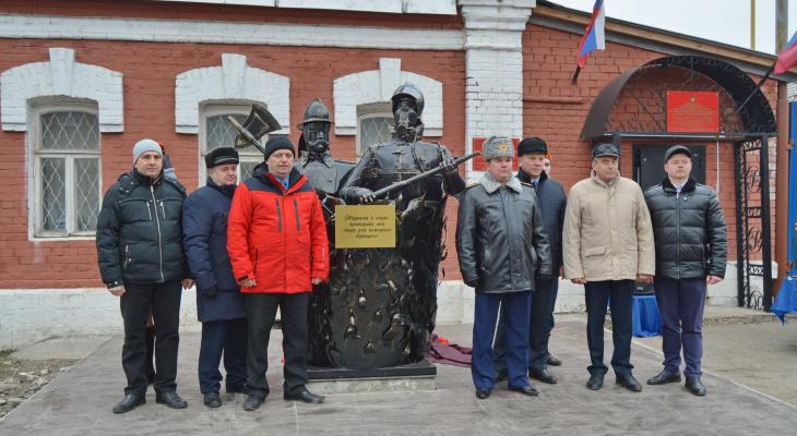 «Покорители огня» в Коврове. Памятник пожарным и спасателям