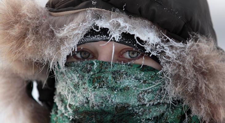 Синоптики рекомендуют усилить крепления уличных украшений во Владимире