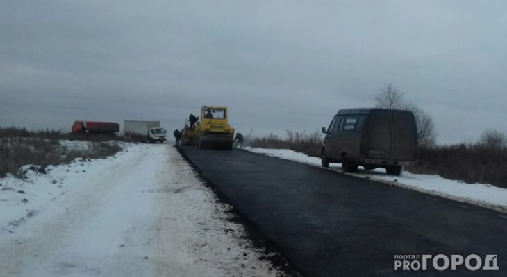 Владимирцы стали свидетелями, как дороги ремонтируют в снегопад