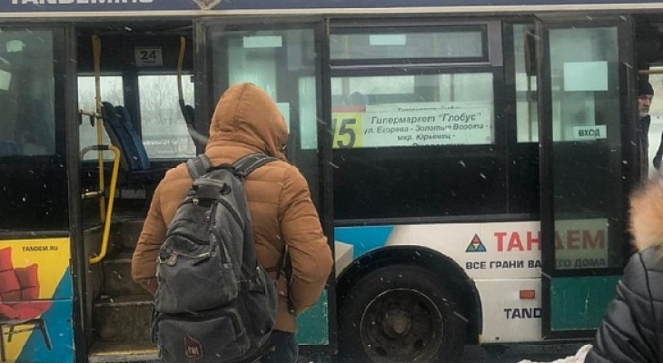 Во Владимире прямо на ходу задымился автобус