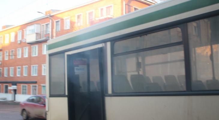 Во Владимире во время движения задымился очередной автобус