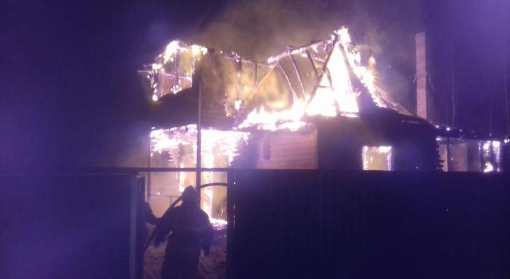 Сегодня в Коврове сгорел дом на 200 квадратных метров