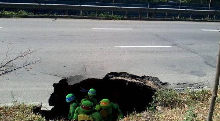 Коммунальщики должны ковровчанину 80 тысяч рублей за яму и разбитый автомобиль