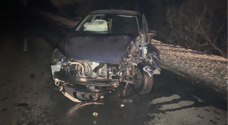 Под Владимиром в машину врезались оторвавшиеся от грузовика колеса