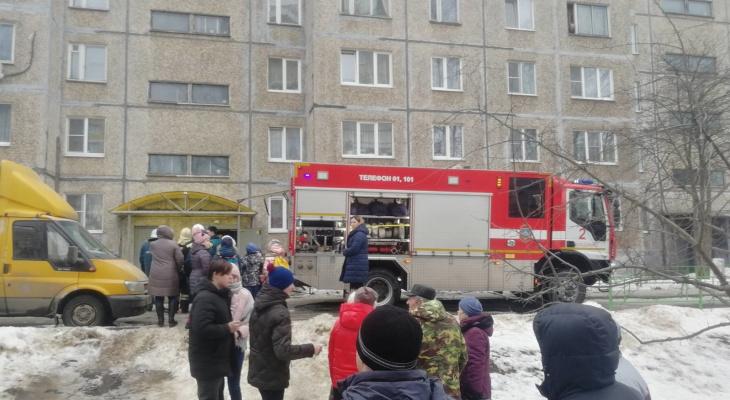 На пожаре во Владимире огнеборцы спасли 15 человек
