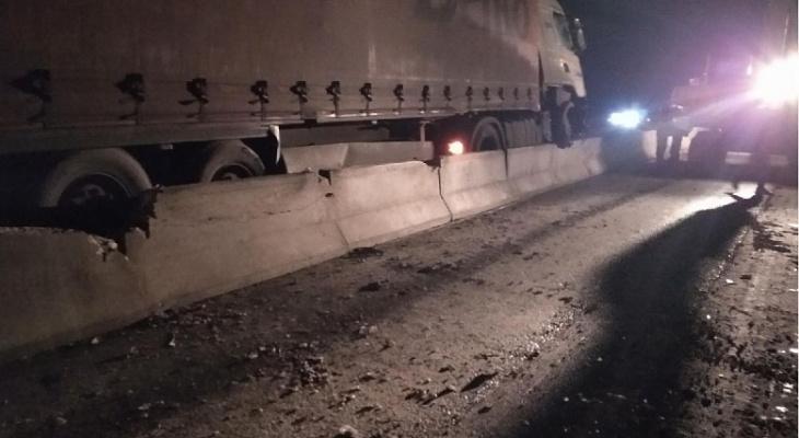 ДТП под Владимиром парализовало движение на трассе М-7