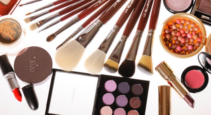 Тайные секреты макияжа: можно ли за час  измениться до неузнаваемости