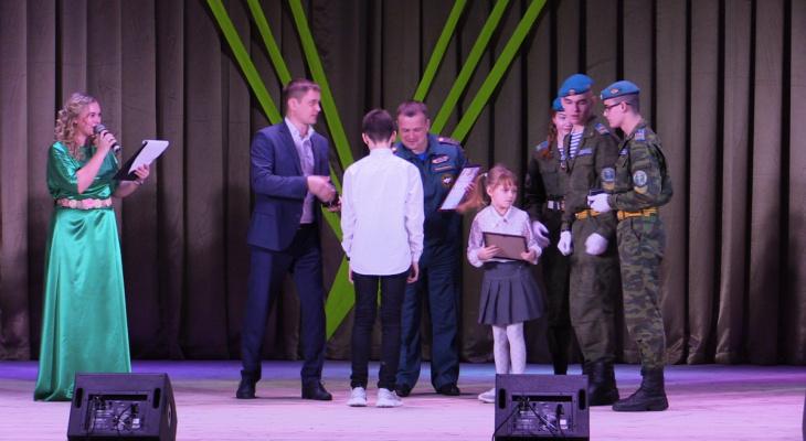 В Киржаче наградили школьников, которые не дали другу утонуть в реке