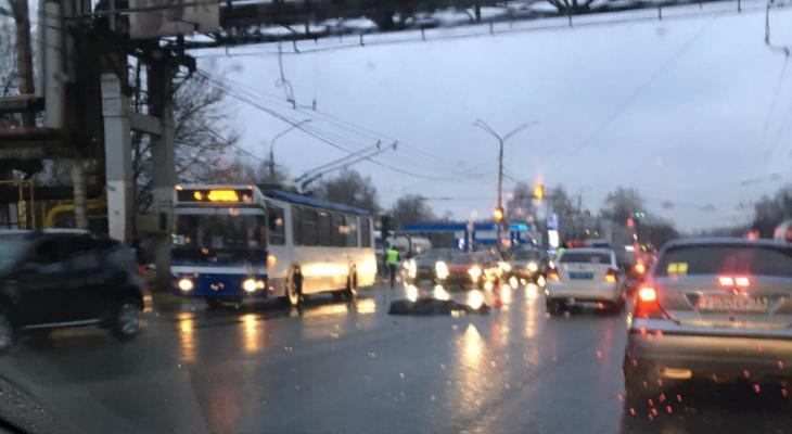 Во Владимире таксист насмерть сбил двух пешеходов
