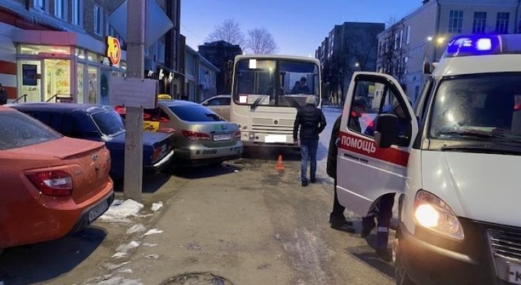 В Коврове автобус переехал водителя