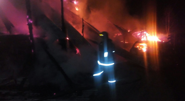 В Собинском районе сегодня ночью горел дом