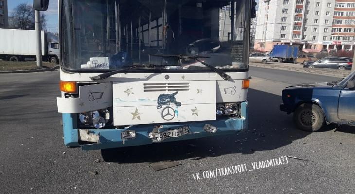 Во Владимире пьяный водитель устроил ДТП с автобусом