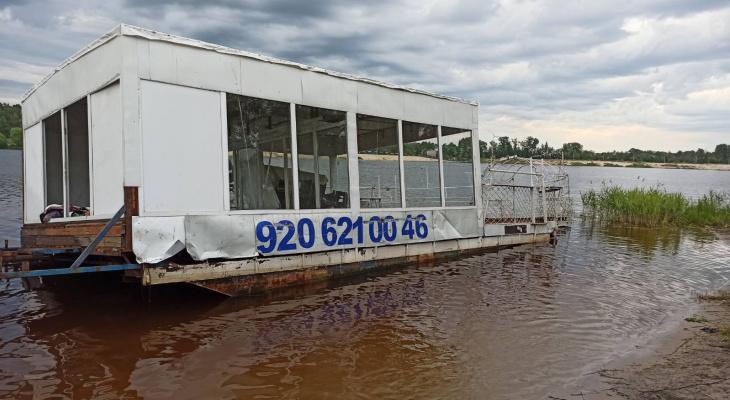 Затонувший катамаран в Гусь-Хрустальном 5 лет незаконно катал людей?