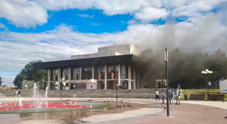 Стали известны подробности об ущербе после пожара в Драмтеатре во Владимире