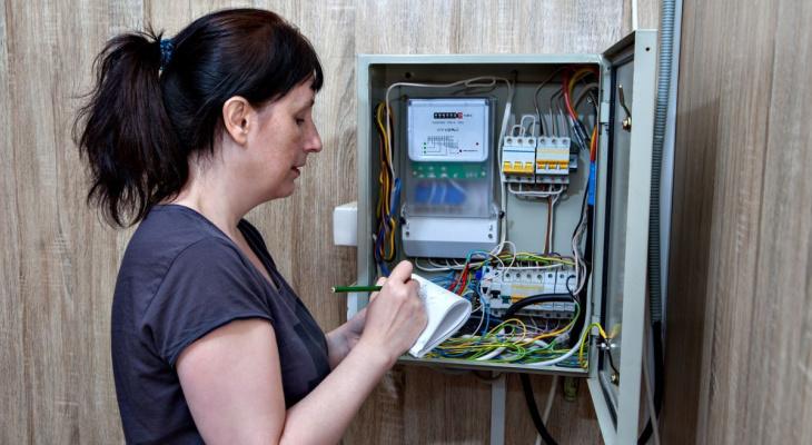 Россиянам больше не нужно платить за установку электросчётчиков