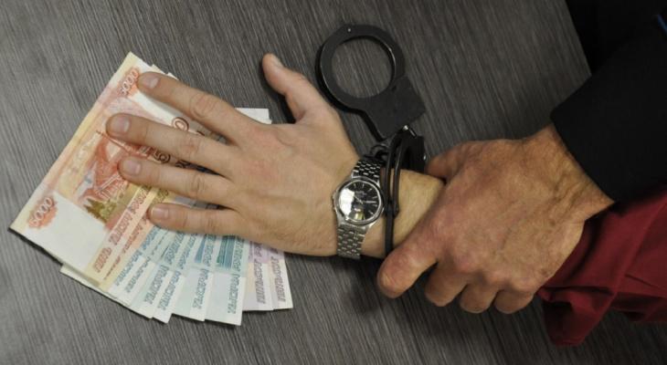 Житель Владимира украл на дне рождения 30 тысяч рублей