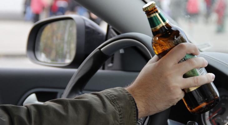 В Кольчугино пьяный мужчина угнал машину друга, чтобы покататься