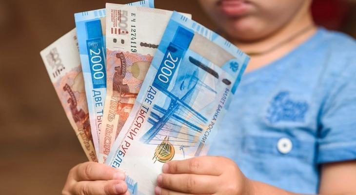 Правительство выделило на детские выплаты еще более 18 млрд рублей